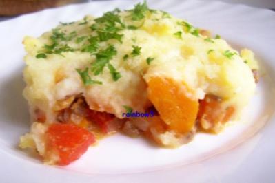 Auflauf: Gemüse + Hack unter einer Kartoffelpüree-Decke - Rezept