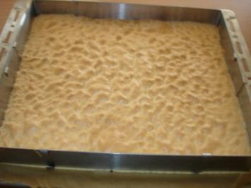 Himbeer-Kekskuchen mit Zitronenguß - Rezept