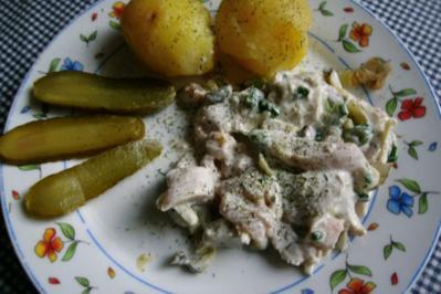 Matjessalat mit Pellkartoffeln - Rezept