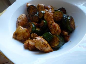 Junge Zucchini mit Hähnchenbrustfilet - Rezept