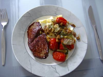 Tomaten- Endiviensalat als warmes Gemüse in Olivenöl - Rezept