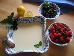 Buttermilchkaltschale mit Himbeeren - Rezept