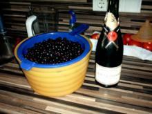 einkochen schwarze Johannisbeeren mit Aprikosen und Champagne - Rezept