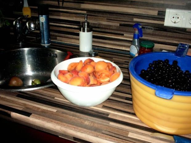 einkochen schwarze Johannisbeeren mit Aprikosen und Champagne - Rezept - Bild Nr. 3