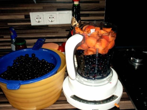 einkochen schwarze Johannisbeeren mit Aprikosen und Champagne - Rezept - Bild Nr. 4