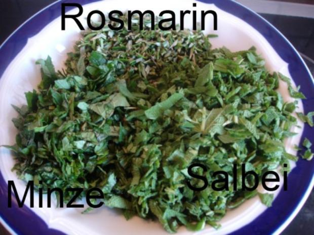 Minze-Salbei-Rosmarin-Buletten mit grünen Bohnen und Mais-Kartoffelpüree - Rezept - Bild Nr. 7