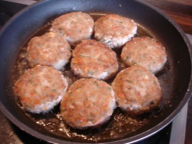 Minze-Salbei-Rosmarin-Buletten mit grünen Bohnen und Mais-Kartoffelpüree - Rezept - Bild Nr. 13