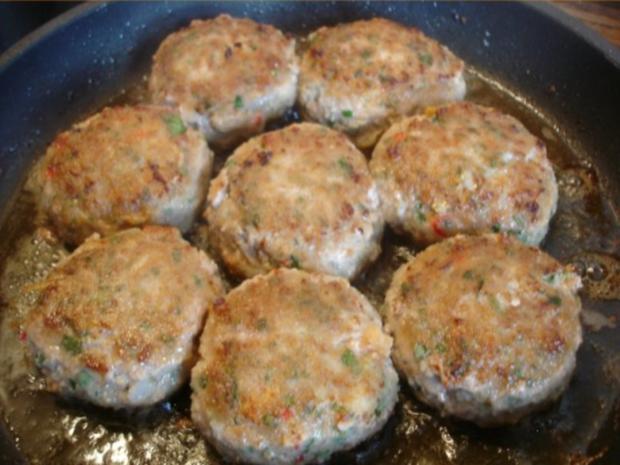 Minze-Salbei-Rosmarin-Buletten mit grünen Bohnen und Mais-Kartoffelpüree - Rezept - Bild Nr. 14