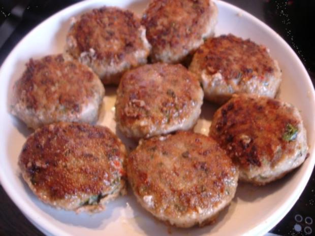 Minze-Salbei-Rosmarin-Buletten mit grünen Bohnen und Mais-Kartoffelpüree - Rezept - Bild Nr. 16