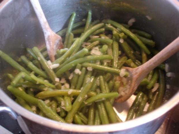 Minze-Salbei-Rosmarin-Buletten mit grünen Bohnen und Mais-Kartoffelpüree - Rezept - Bild Nr. 20