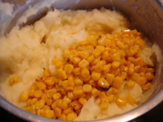 Minze-Salbei-Rosmarin-Buletten mit grünen Bohnen und Mais-Kartoffelpüree - Rezept - Bild Nr. 26
