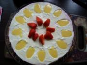 Frischkäsetorte mit Erdbeeren und Eierlikör - Rezept