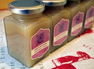 Samtige Marmelade aus Bergpfirsichen und Tonkabohne - Rezept