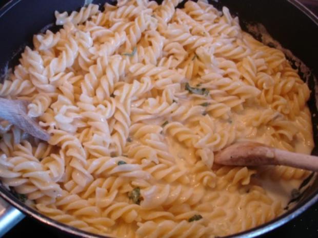Nudeln mit Salbei-Gorgonzola-Sauce - Rezept - Bild Nr. 15