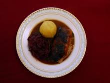 Bayerische Kronen-Ente mit Blaukraut und Knödeln (Uschi Dämmrich von Luttitz) - Rezept
