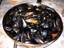 Miesmuschelpfanne nach Mittelmeer Art, sommerlich leicht - Rezept