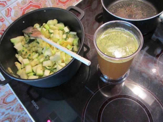 Zucchini Creme Suppe frisch aus dem Garten... - Rezept - Bild Nr. 10