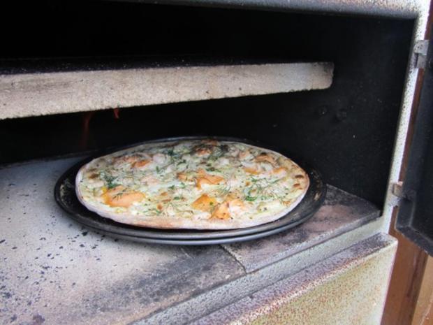 flammkuchen selbst gemacht im eigenen pizza ofen rezept. Black Bedroom Furniture Sets. Home Design Ideas
