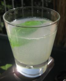 Rezept: Basilikum-Sirup und -Limonade