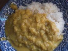 Curry mit Bananen und Reis - Rezept