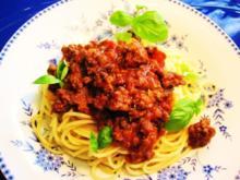 Spaghetti mit würziger Hackfleischsoße - Rezept