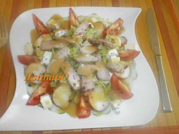 Fruchtiger  Salat mit Streifen vom Schweinefilet  und Cambozola - Rezept - Bild Nr. 2