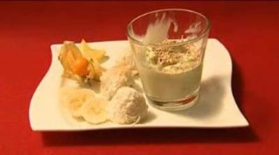 Grüntee-Eis mit Kokosbällchen (Jürgen Drews) - Rezept