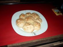 Partybrötchen mit Kräuter und Knoblauch - Rezept