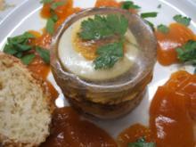 Sülzen: Kleine Bauerschmaus-Sülzchen in Tomatengeleewürfeln - Rezept