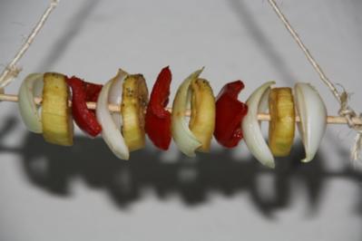 Marinierte Gemüsespieße aus dem Räucherofen - Rezept