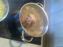 Putenrollbraten mit Klößen und Mischgemüse - Rezept