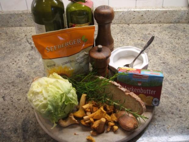 Pilze: Salat von marinierten Pfifferlingen mit Kräuter-Croutons - Rezept - Bild Nr. 3