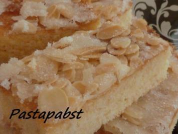 Blitz-Butterkuchen mit Mandelhaube - Rezept
