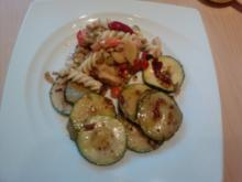Da wird die Zucchini in der Pfanne verrückt oder 007-Zucchini geschüttelt nicht gerührt - Rezept