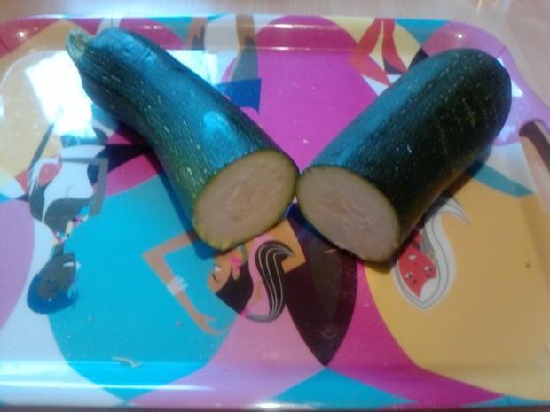 Da wird die Zucchini in der Pfanne verrückt oder 007-Zucchini geschüttelt nicht gerührt - Rezept - Bild Nr. 2