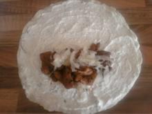 Wraps mit Gyros, Kräuter-Tsatziki und Krautsalat - Rezept