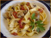 Nudeln mit Sahne-Champignons - Rezept