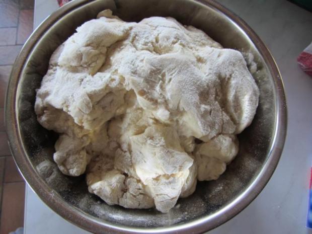 Hefe Kuchen mit Pflaumen - Rezept - Bild Nr. 3