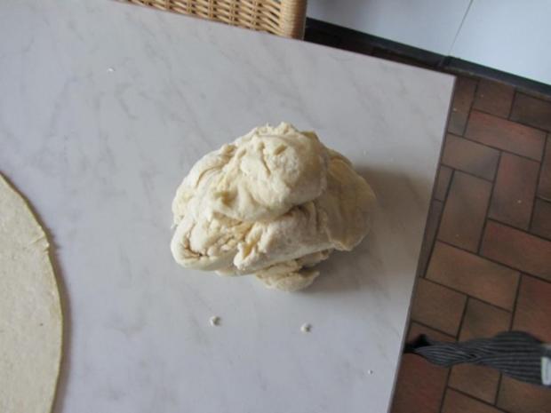 Hefe Kuchen mit Pflaumen - Rezept - Bild Nr. 7