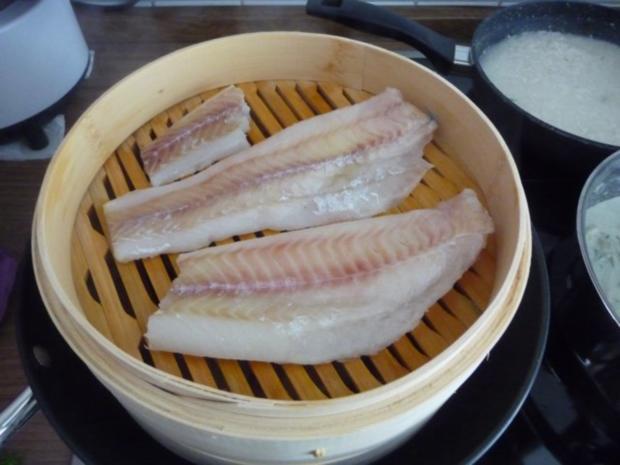 Fisch : Gedünsteter Alaska-Seelachs an Fenchel-Meerrettich mit Reis und Möhrensalat - Rezept - Bild Nr. 9