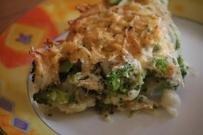 Blumenkohl-Brokkoli-Auflauf mit Kartoffel-Käse-Haube - Rezept