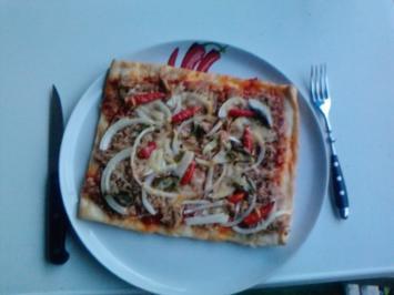 Pizza Tonno genightcookert ;-))) und gegrillt - Rezept