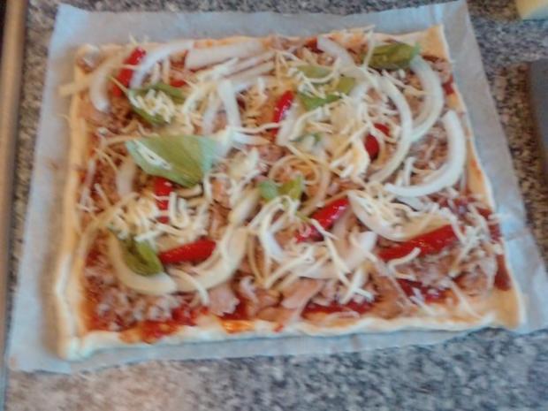 Pizza Tonno genightcookert ;-))) und gegrillt - Rezept - Bild Nr. 3