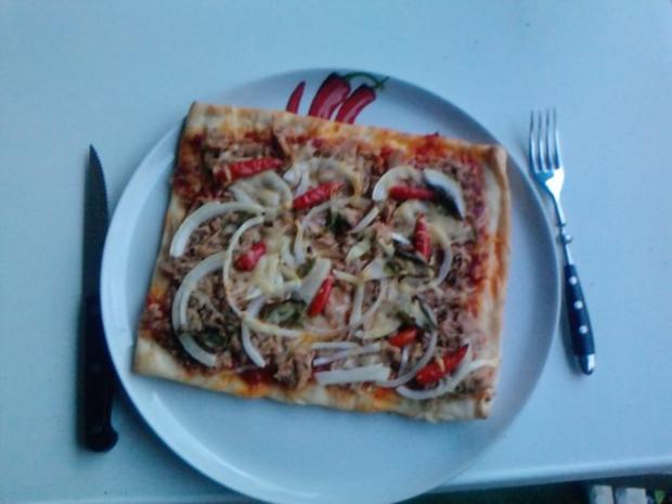 Pizza Tonno genightcookert ;-))) und gegrillt - Rezept - Bild Nr. 6