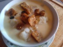 Soupe au chou-fleur avec croûtons - Rezept