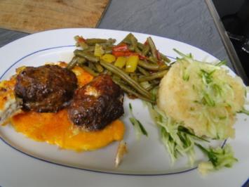 Frikadellen aus dem Backofen mt Bohnen-Paprika-Gemüse für Bianca, die heute 3 Jahre - Rezept
