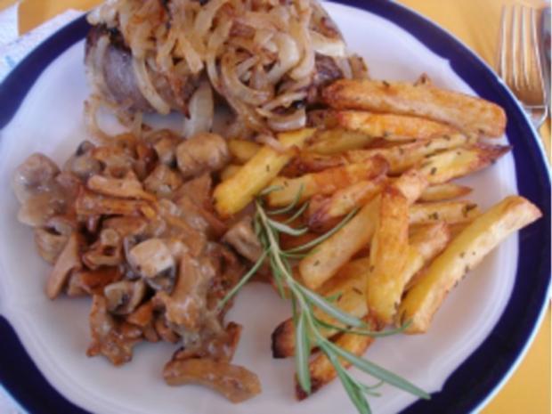 Steaks mit Zwiebelhaube, Rosmarin Pommes frites und Pfifferlingen mit Champignons - Rezept - Bild Nr. 20