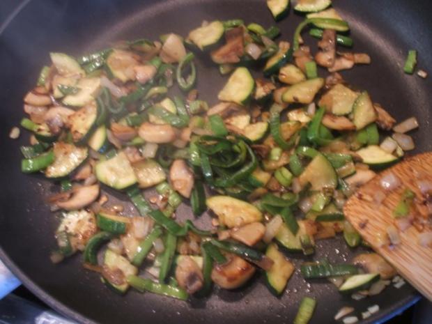 Fleisch: Hackfleisch-Torte mit Gemüse für 16er Tortenform - Rezept - Bild Nr. 8