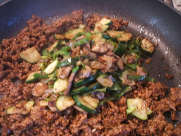 Fleisch: Hackfleisch-Torte mit Gemüse für 16er Tortenform - Rezept - Bild Nr. 10