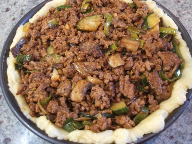 Fleisch: Hackfleisch-Torte mit Gemüse für 16er Tortenform - Rezept - Bild Nr. 11